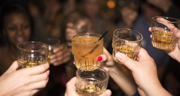 Víte, jak správně podávat whiskey?