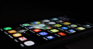 Co způsobuje nefunkčnost home buttonů u iPhonů?